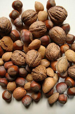 vitamin E in nuts