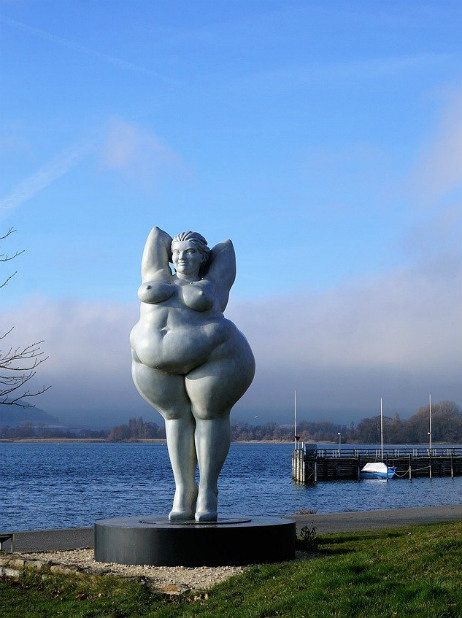 woman statue obese lake constance